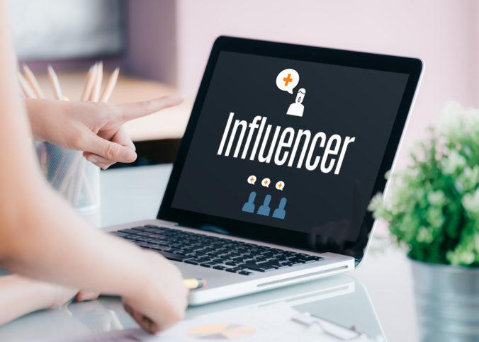 4 facteurs clés à prendre en compte lors du choix d'un influenceur pour votre marque ?
